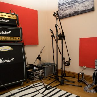 Neil's guitar set-up at the studio.